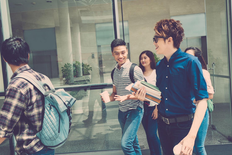 Brisbane-Student-Apartments- Students BG