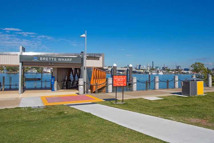 Brisbane Student Apartments Desketing---Hamilton-Student-Accom-Bretts-Wharf